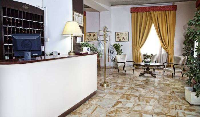 hotels with air conditioning in Napoli, Italy